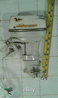 1962 JOHNSON 40 HP 4 STAR MOTOR RARE VTG. K & O TOY OUTBOARD MOTOR Nice