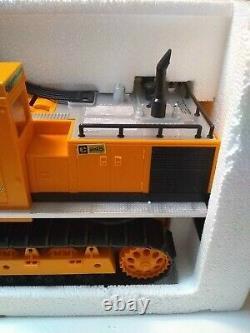 1988 New Bright The Cat Power Excavator #2193 Caterpillar Remote Control