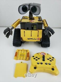 Disney Pixar Wall-E U-Command with Infrared Remote Controller Thinkway Toys WORKS