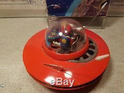 KO Yoshiya Flying Saucer Space Robot Astronaut Driver Tin Toy -Display/restore