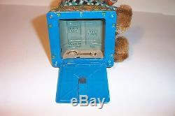 MINT 1950's BATTERY OPERATED MONKEY ON A PICNIC TIN LITHO APE CHIMP TOY MIB