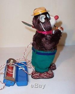MINT 1950's BATTERY OPERATED SMOKY BEAR TIN LITHO TOY MARUSAN JAPAN smokes MIB