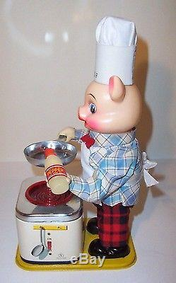 MINT 1950s BATTERY OPERATED PIGGY BARBECUE COOK BBQ TIN LITHO TOY works great