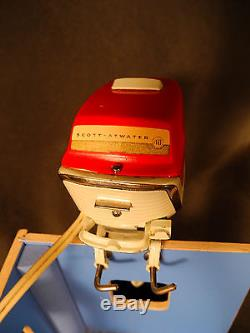 MINT, BOX Vintage 57 K&O Scott-Atwater 40 HP Battery Operated Toy Outboard Motor