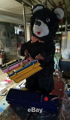 RARE 1950's LINEMAR BATTERY OPERATED WALKING BEAR WITH XYLOPHONE TOY JAPAN MINT