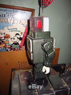 Rare Vintage Original 1960s Antennea Robot Space Battery Op Toy