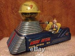 Rare Japan 1950's Tin Litho Battery Operated Moon Car Space Toy