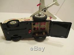 Twa Soring 707 Jet Liner With Flashing Engines & Airport Tub Battery Operated