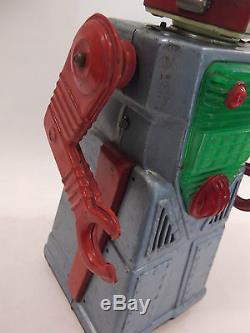 VINTAGE YOSHIYA JAPAN CHIEF ROBOT MAN ROBOT BATTERY OPERATED TIN TOY