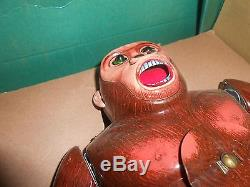 Vintage Battery Operated Modern Toys ROARING GORILLA Shooting Target Toy in BOX