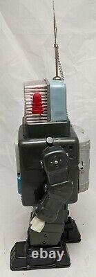 Vintage TELEVISION SPACEMAN Alps Battery Operated Tin Space Robot Toy WORKS