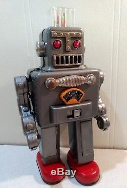 Vintage Yonezawa Japan Tin Toy Battery Operated Smoking Robot withoriginal box
