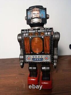 Vintage tin Horikawa Robot Mr Hustler 60's Japan Battery Operated
